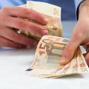 900 Euro Anforderungskredit schnell aufs Konto